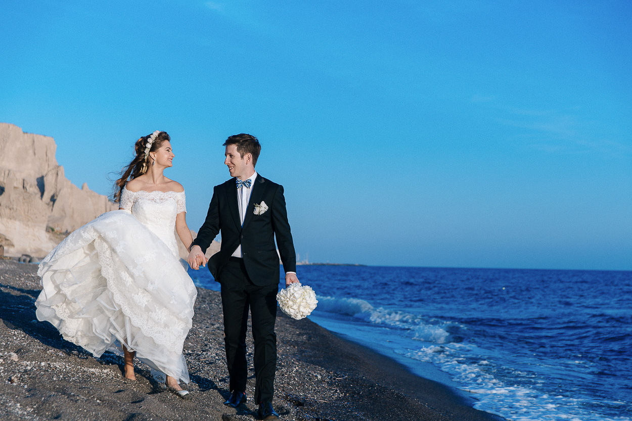 beach wedding photo session santorini photos