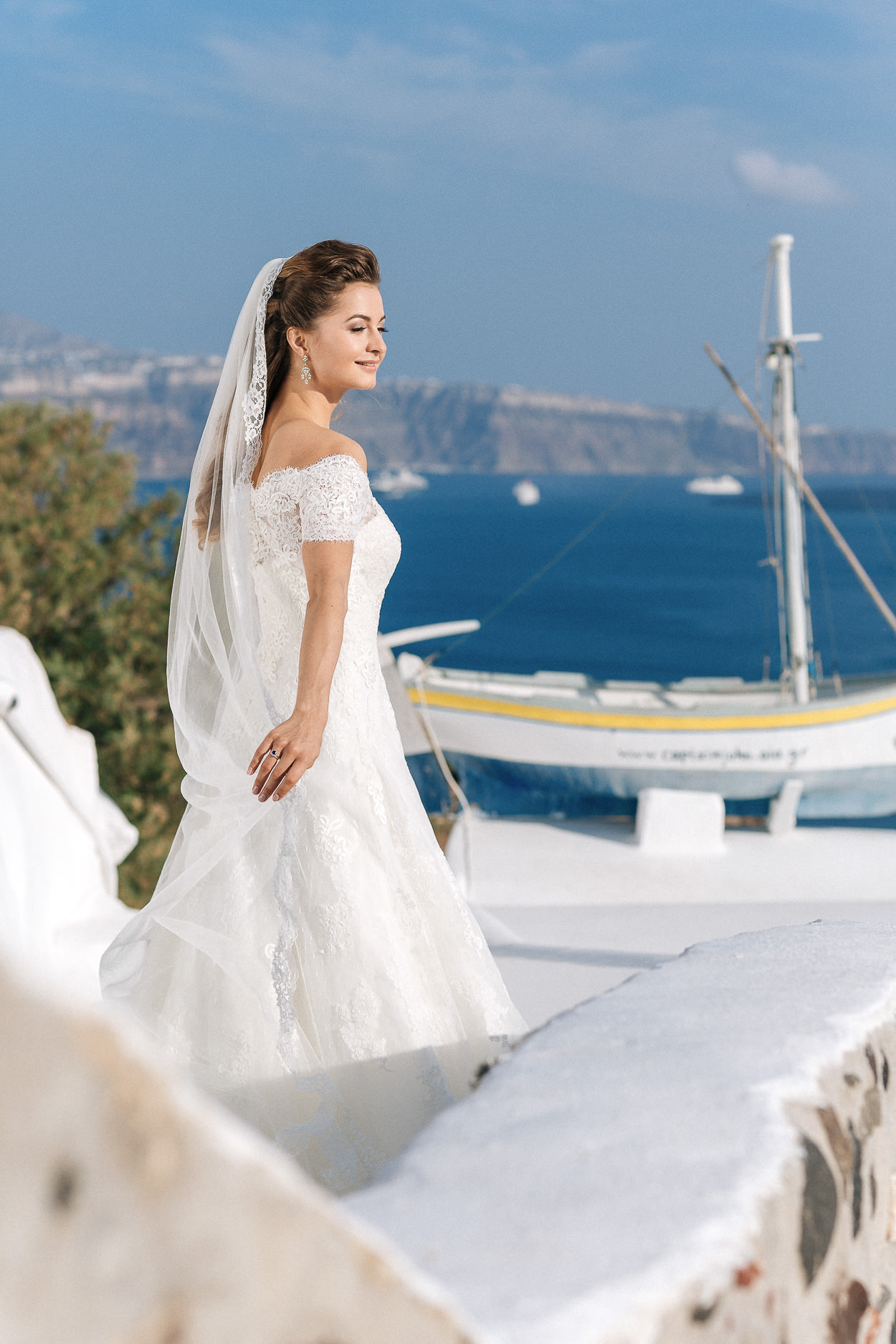 bride Santorini Oia photos