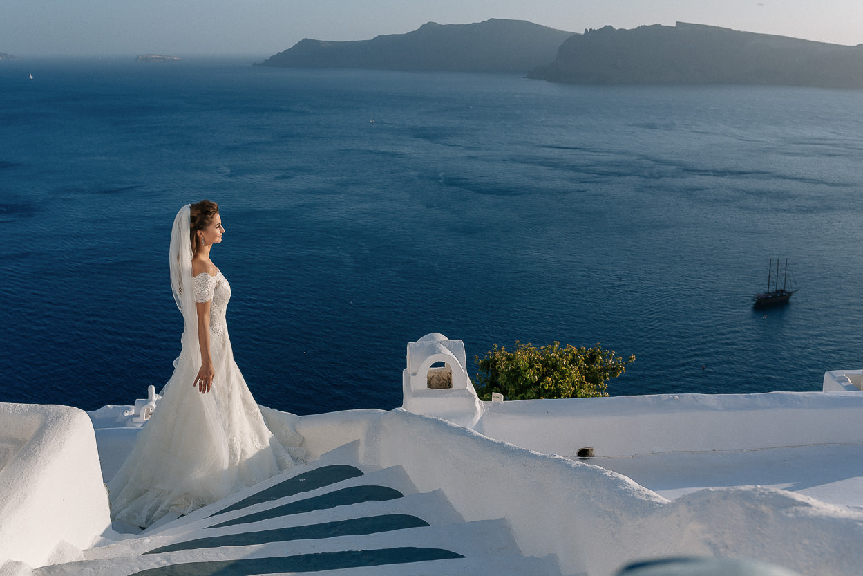 Oia wedding blue and white colors photos