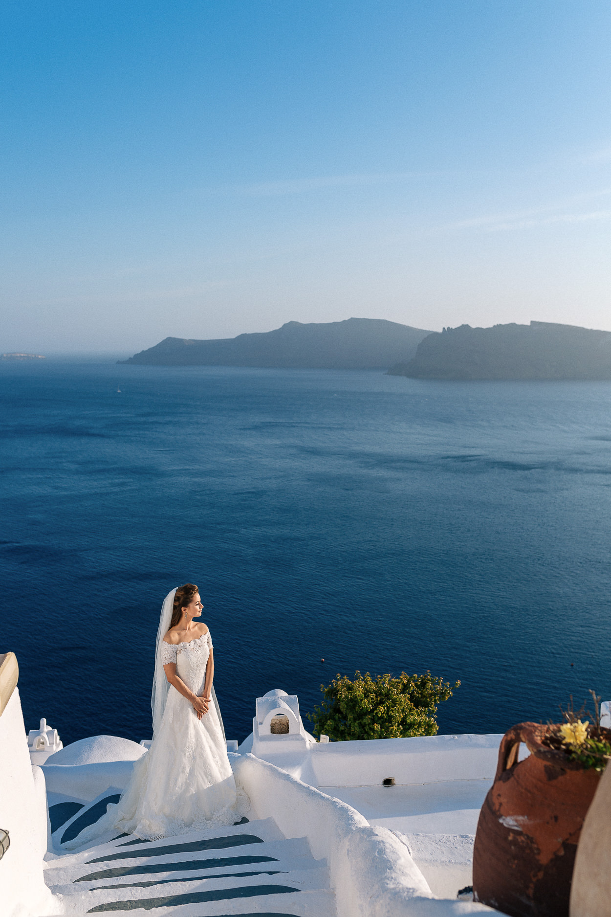 Greek blue and white colors wedding bride photos