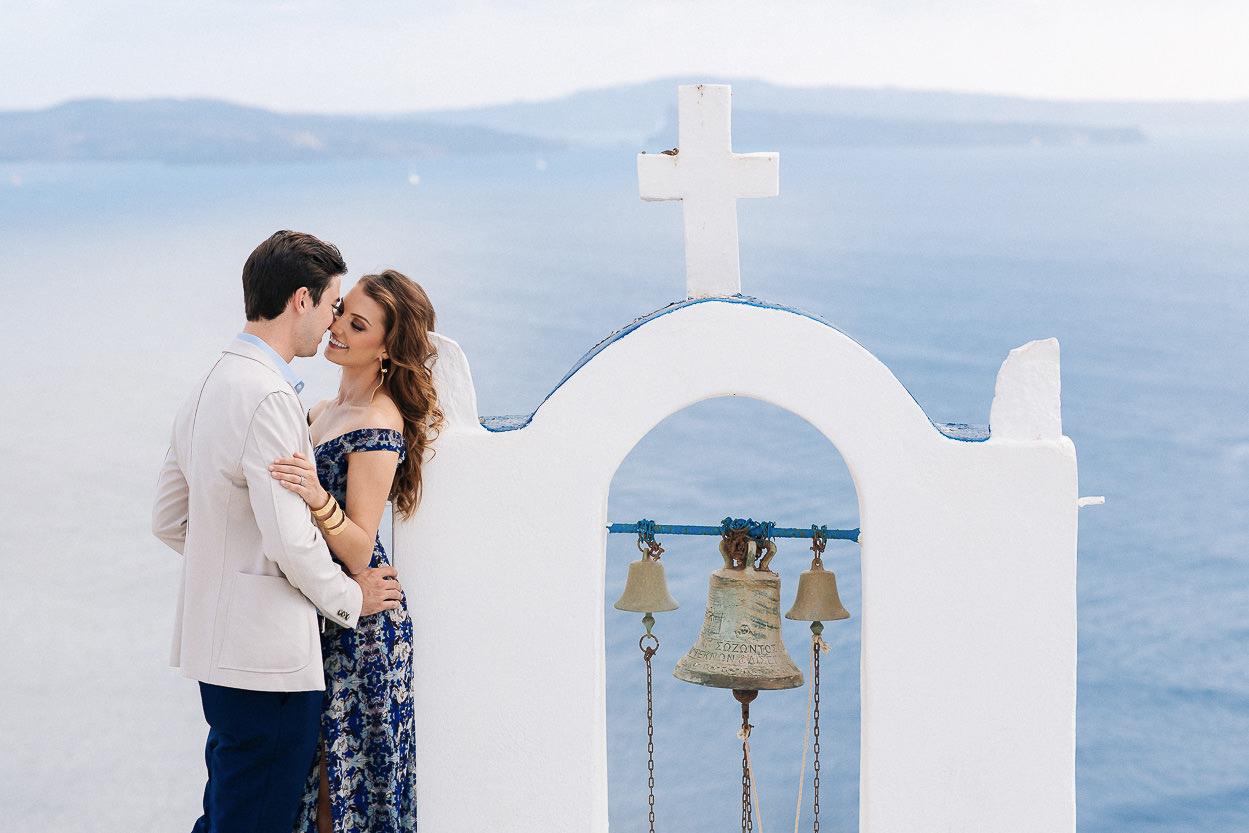 Santorini couple photos